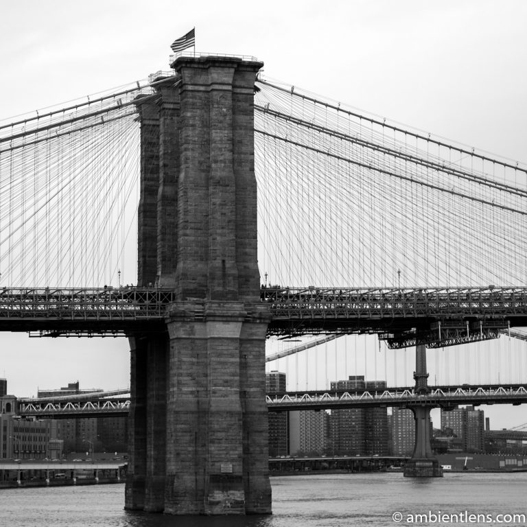 Brooklyn Bridge Tower in New York (BW SQ)