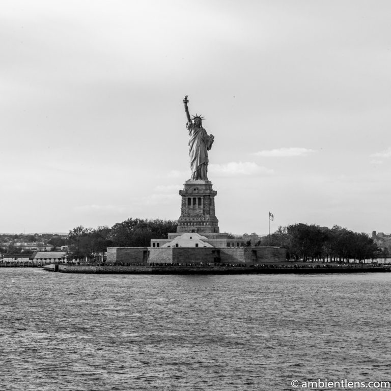 Statue of Liberty (BW SQ)
