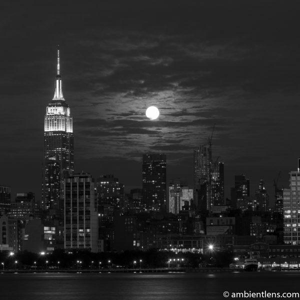 Moonrise over Manhattan, New York 4 (BW SQ)