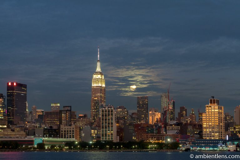 Moonrise over Manhattan, New York 5