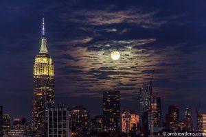 Moonrise over Manhattan, New York 3