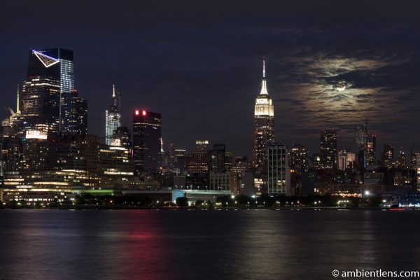 Moonrise over Manhattan, New York 2