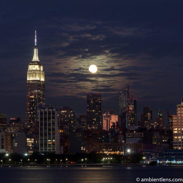 Moonrise over Manhattan, New York 4 (SQ)