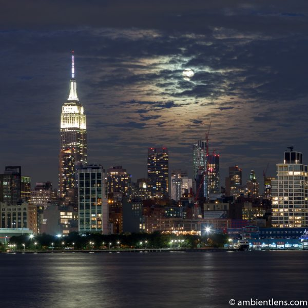 Moonrise over Manhattan, New York 1 (SQ)