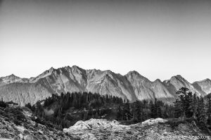 Washington State Mountain Range (BW)