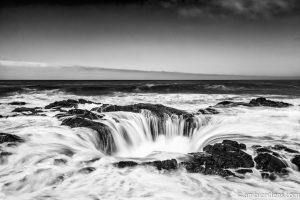 Thor's Well 2 (BW)